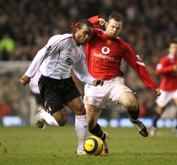 Football - F.A. Barclays Premiership - Manchester United v Liverpool